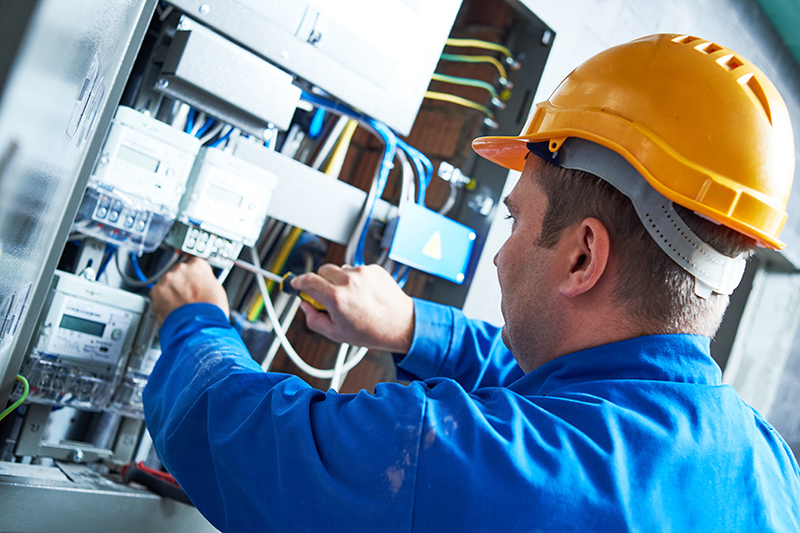 Become An Electrician in Bolton Greater Manchester