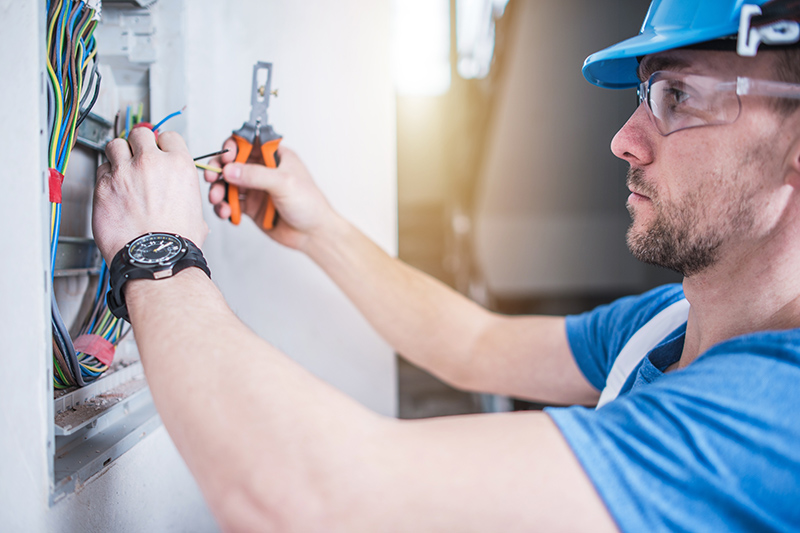 Electrician Qualifications in Bolton Greater Manchester